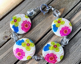 Painted Shell Floral Bead Bracelet