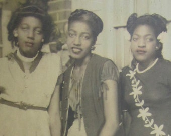 Girls Club - 1940's Best Friends African American Black Teen Girls Hand Tinted Photo - Free Shipping