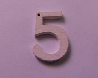 "wooden pendant number ""5"" 22 mm tall various colors"