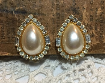 Vintage Large Teardrop Faux Cream Pearl  Sherr Blue Rhinestone Clip on Earrings
