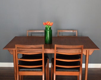 Fantastic Vintage midcentury McIntosh extending teak table and 4 chairs. Delivery. Modern / retro / Danish style.