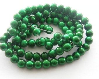 104 Green glass beads B97