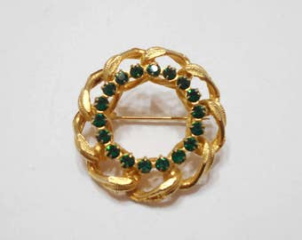 Gorgeous Vintage Emerald Green Rhinestone Circle Brooch (5536)