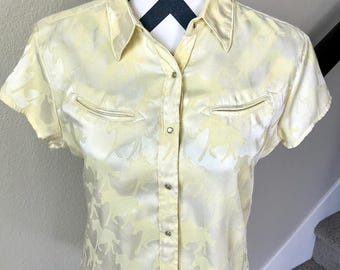 Vintage 1990s Wrangler Pale Yellow Horse Print Cowgirl Cowboy Western Blouse Sz M