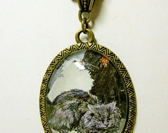 Gray and white cat pendant with chain - CAP09-017