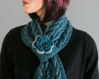 Little blue collar wool Irish stitches and cables for women