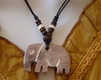 Stone elephant pendant necklace genuine native American craft