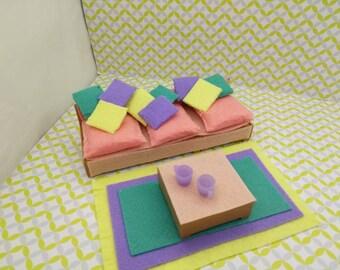 Tomy kleinere House Japan Living Pastell Sofa Kaffee Tisch und Teppich passt 3/4 bis 1 Zoll Maßstab Hartplastik