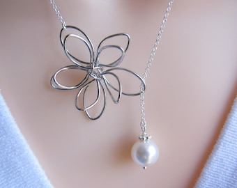 Flower Lariat Necklace . Pearl Lariat Necklace on Sterling Silver chain. Bridesmaid gift . Mothers Jewelry . Bridesmaid necklace