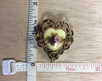 Vintage Gold Toned Porcelain Heart With Roses Pin Brooch Used