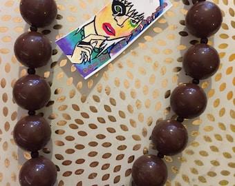 MALTED MILK BALLS // Single Strand Circle Bead 1980s Necklace
