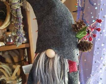 FOREST SPIRIT (grey/burgundy) ~ Tomte, Tomten, Gnome, Nisse, Swedish, Scandinavian, Nordic, felted, Hygge