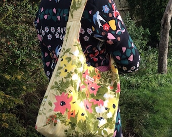 Vintage cotton fabric slouchy shoulder bag - French floral