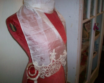 antique hand done lace silk lappet with hand done lace
