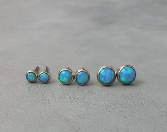 Solid gold opal stud earrings,14k solid gold  blue opal earrings,yellow gold tiny opal stud earrings,small gold opal earrings