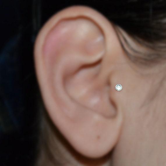 Famoso Tragus Earring White Topaz Silver Nose Stud Helix Earring AJ51