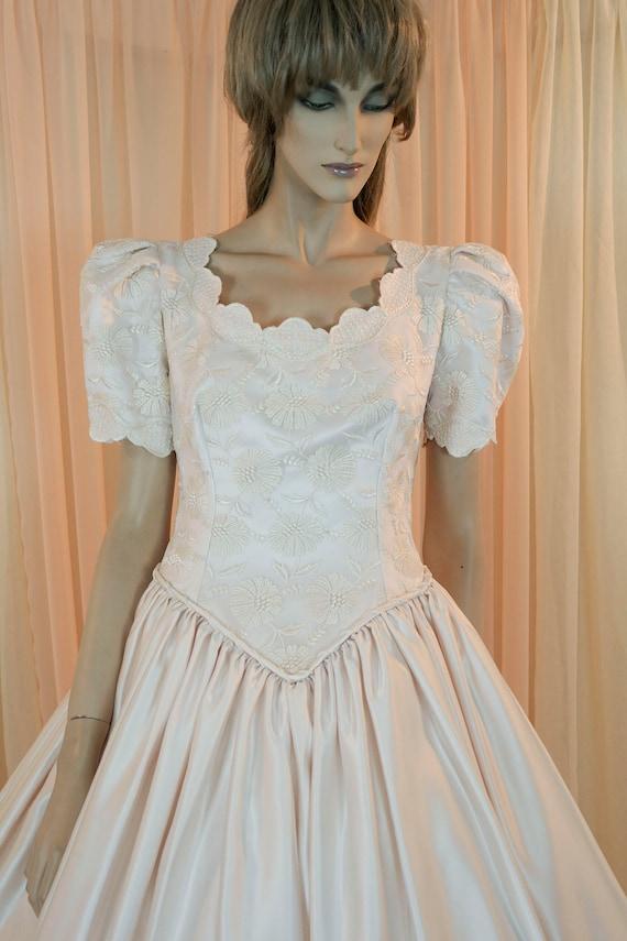 Hochzeitskleid 80er Jahre - Vintage 1980er - Prinzessin Diana Style - leicht rosa Brautkleid-