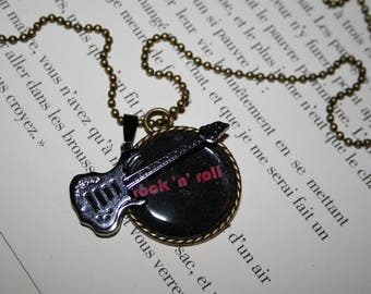 Vintage - 70 cm bronze - ROCK guitar necklace - pink