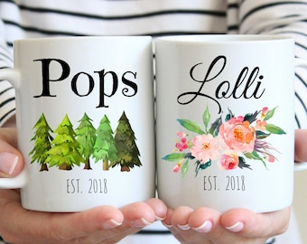 Lolli and Pops Mug, Pregnancy Reveal To Grandparents, Grandma and Grandpa Pregnancy Announcement Grandparents, New Grandparents Gift