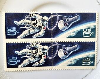 5 unused Vintage Postage Stamps // 5 Cent Vintage Stamps for Mailing