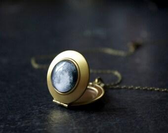 Custom Moon Locket - Personalised Moon Phase Necklace -  Full moon pendant locket - Secret locket