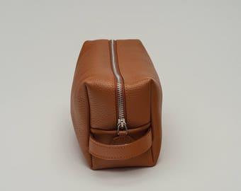 Leather dopp kit leather toiletry bag personalized dopp kit toiletry bag groomsmen gift mens toiletry bag shaving kit travel bag shaving bag
