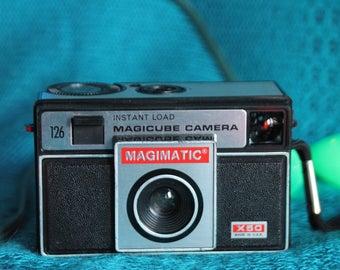 Magicmatic 126 film camera
