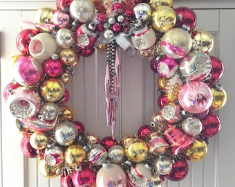 Pretty in Pinks Vintage Christmas Ornament Wreath Pink Gold Silver
