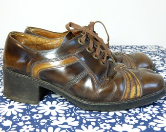 Jazz age revival brown leather men's oxford lace up shoes with chunky heels - size fr 42 / us 8.5 / uk 8 - French 70s vintage