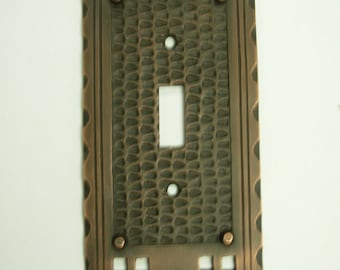 Mission Arts & Crafts Single Toggle Switch Plate