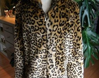 Fantastic plush animal print faux fur coat / jacket / leopard print  / Dennis basso / vegan