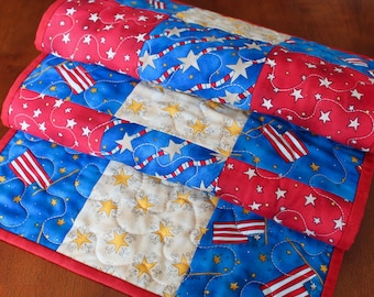 Quilted American Table Runner, USA Decor, 4th of July Table Runner, July 4th, Independence Day Table Runner, Red White Blue, Memorial Day