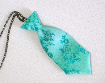 Unisex Mini Tie Retro ivy Necklace Pin