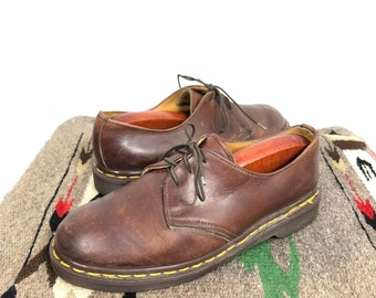 vintage dr martens three holes leather oxford shoes made in england size 6
