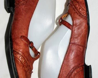 BORN Brown Leather Shoes Retro Mary Jane Style, Unique Kitten Heels, Size 6.5 M (37)