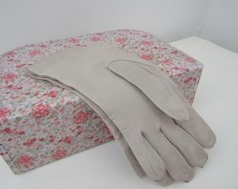 Vintage cream ladies gloves, gloves, vintage gloves, cream gloves, leather gloves, vintage leather gloves, beige gloves, women's gloves,