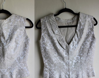 50% off  Lovely Ivory Jacquard Tank with Deep V Back || 1950s || Small