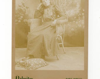 Very casual, antique cabinet card photo
