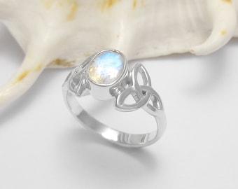Sterling Silver Rainbow Moonstone Gemstone Ring