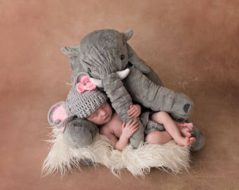 Elephant baby set/Newborn Elephant Set/Baby Girl Gift/Baby shower gift/Ready to ship/Diaper Cover/Crochet hat/Hat and Diaper Cover/