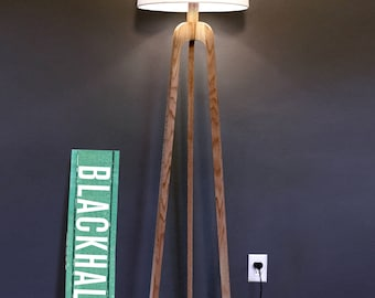 Danish Modern Tripod Floor Lamp – Oak