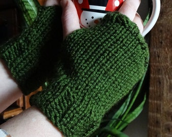 ready to ship, knit fingerless gloves, wrist warmers, hand warmers, womens gloves, boho gloves, hunter green gloves