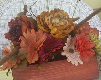 floral arrangement  handmade wooden box rustic farmhouse country