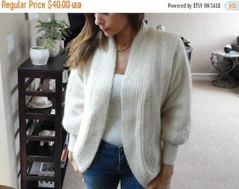 SALE Cream Knit Cardigan Sweater - Metallic thread - Oversized - Vintage M L