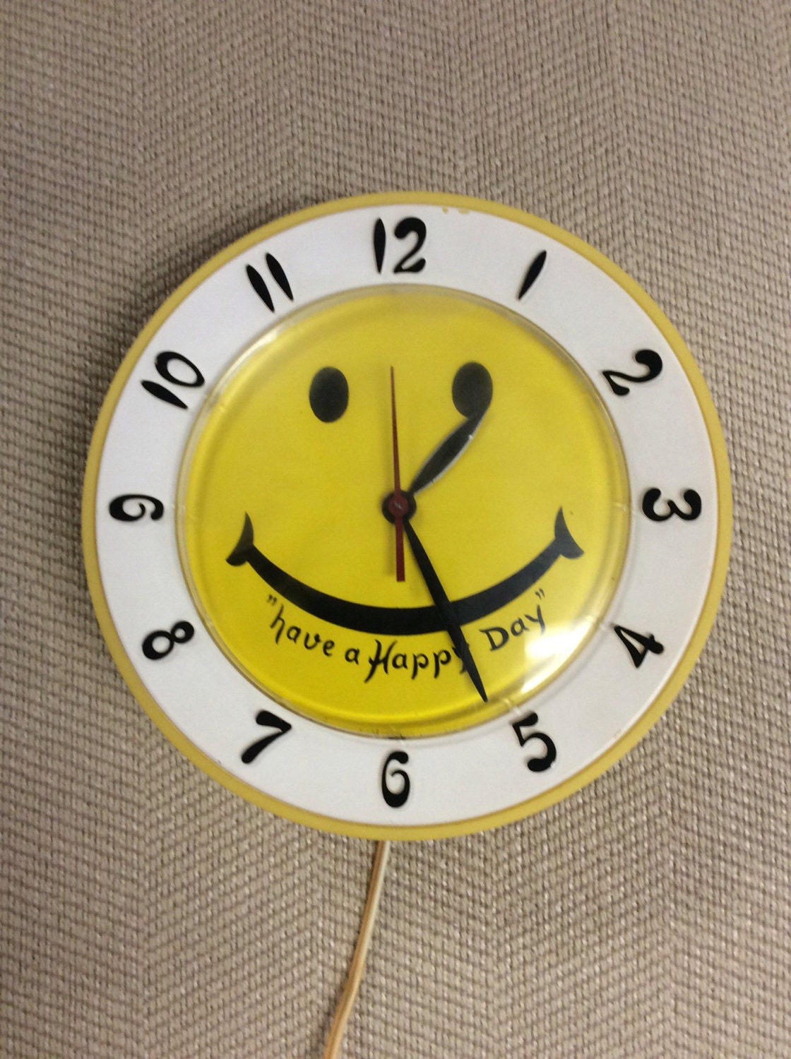 Vintage Electric Have a Happy Day/Yellow Smile face Clock /