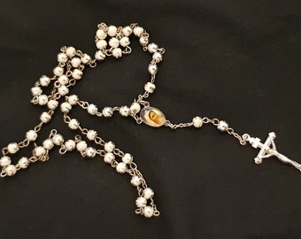 White and silver bead Rosary - Silver crucifix