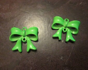 2 connectors bow / 19 * 17mm Green painted metal charm