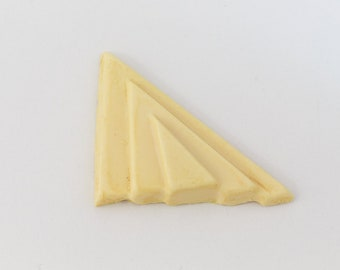 45mm Cream Deco Stepped Triangle Blank (2 Pcs) #UP666