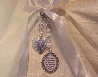 Mum or Mom Wedding Bouquet Memory Locket Charm with Verse