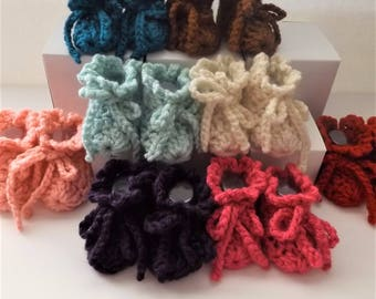 New Handmade Newborn to 3 months bootie in 8 colors. 3.5 inch sole, Crocheted, Ready to ship,  Comes with Organza gift bag